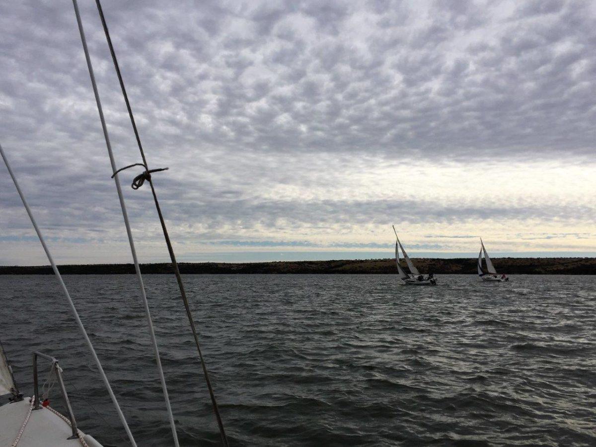 Navegando en el Lago Rapel